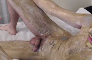 Golden shower or golden cum show