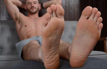 Tasty cum feet