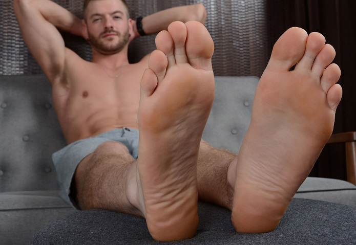 Tasty cum feet
