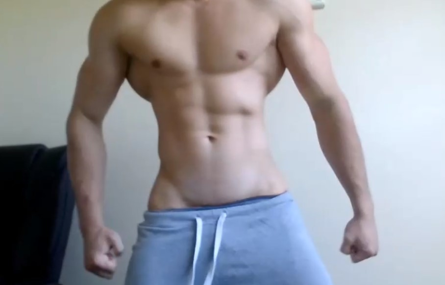 Yummy Body Builder Shows His Body