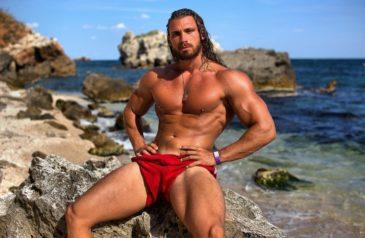 Cam hunk Ramon on the beach