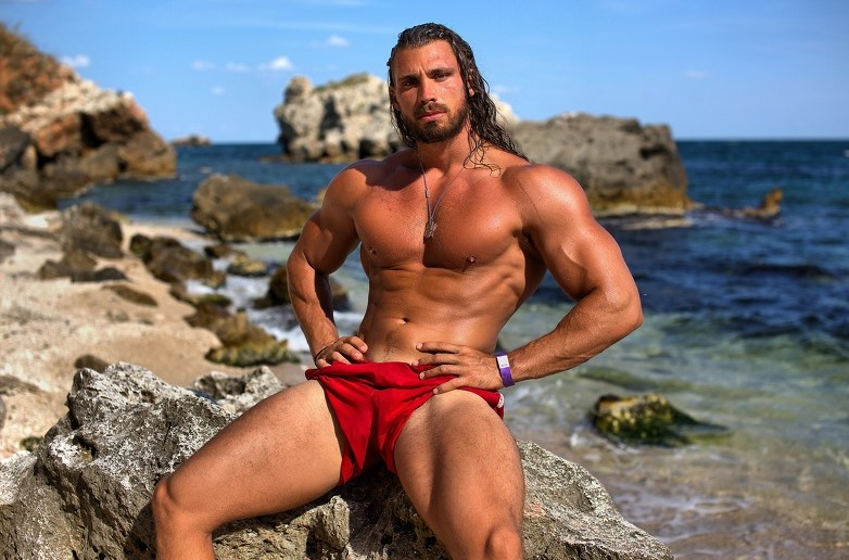 Cam hunk Ramon on the beach