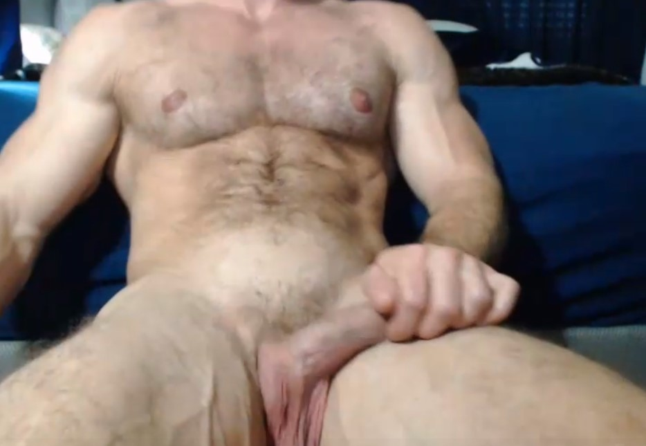 Today a new hairy live cam man with circumcised cock